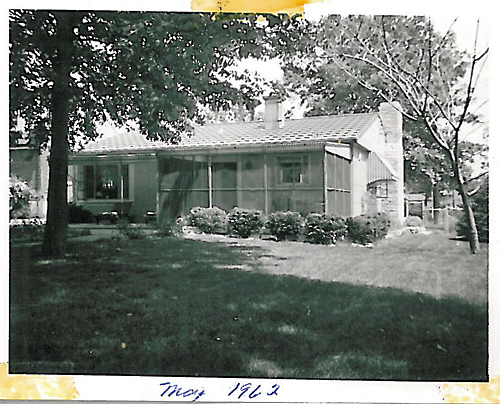 Rear of Brentwood, MO Lustron taken by the owner in 1962