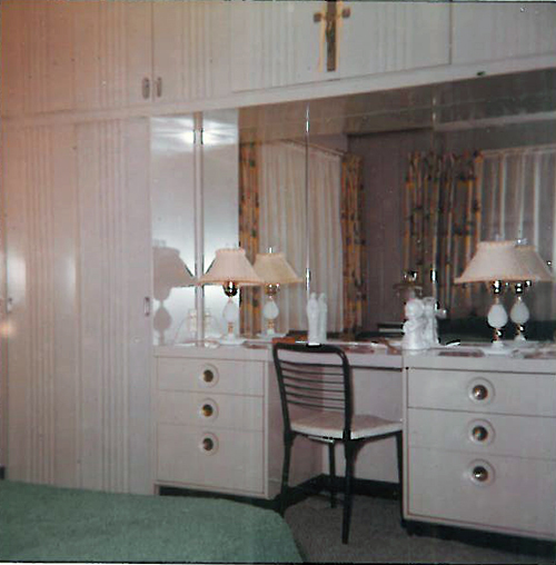 1962 photo of a Brentwood, MO Lustron master bedroom