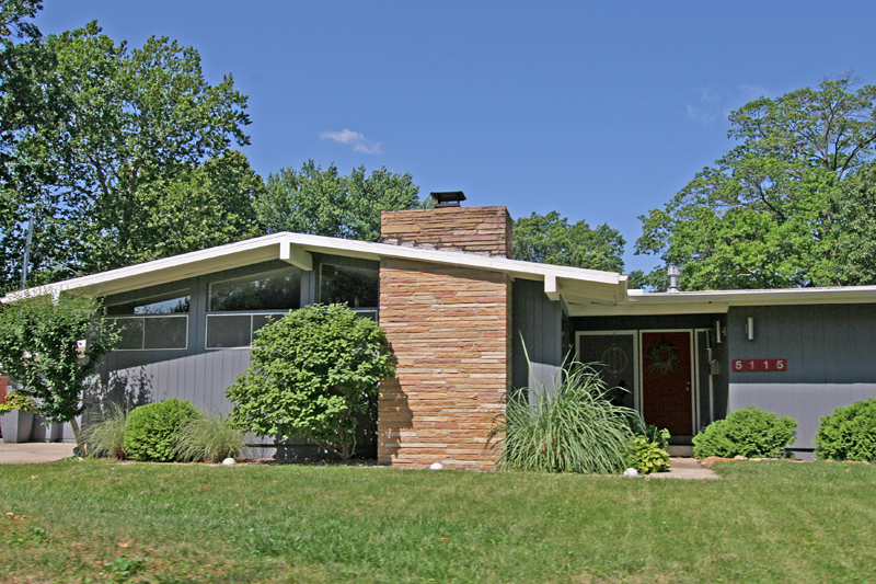 Atomic ranch ranch exterior and mid century house on for Modern home design kansas city