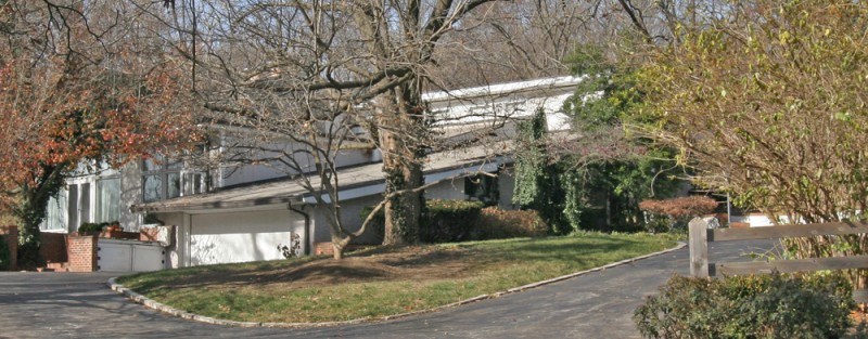 The mid-century modern ranch in Ladue, MO that Dr. William Masters & Virginia Johnson moved into after their 1971 marriage.