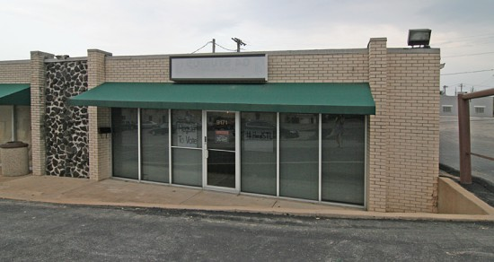 Less than 3 weeks from the killing of Michael Scott, HealSTL has been started in this lava rock storefront. St. Louis City alderman Antonio French and volunteers strive to teach leadership, register residents to vote and put Ferguson's majority into the civic and political process of their town.