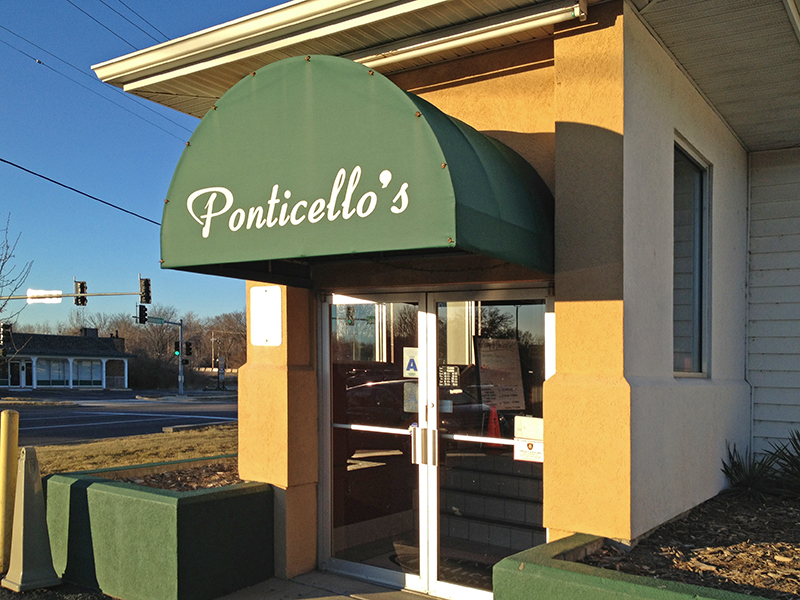 ponticello's pizza in spanish lake, mo closed in 2013 photo by toby weiss